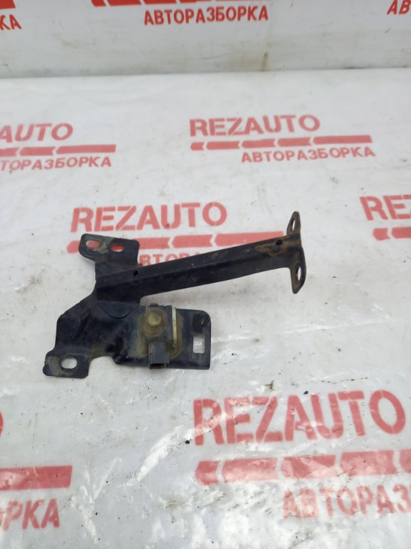 Кронштейн Mazda3 2005 BK Z6