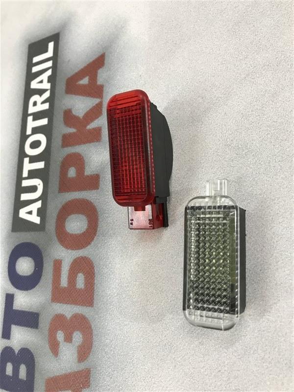 Сигнальная лампа двери задняя левая A7 2012 год 4G 3.0L