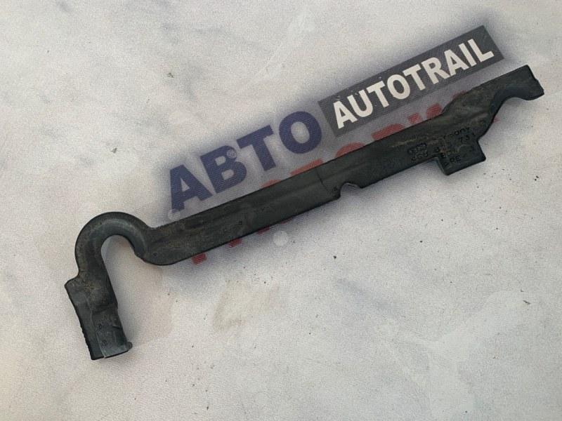 Уплотнитель крыла Audi A7 4G 3.0 TDI
