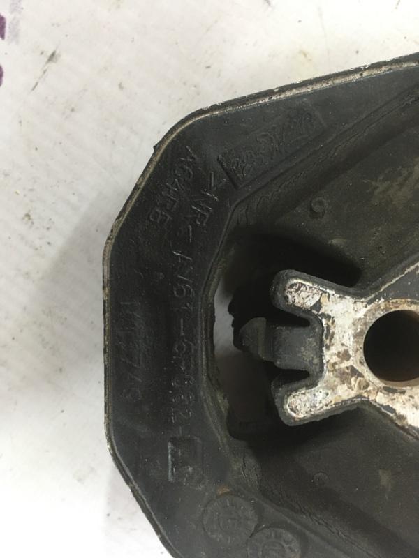 Подушка кпп Ford Escape 1.6L
