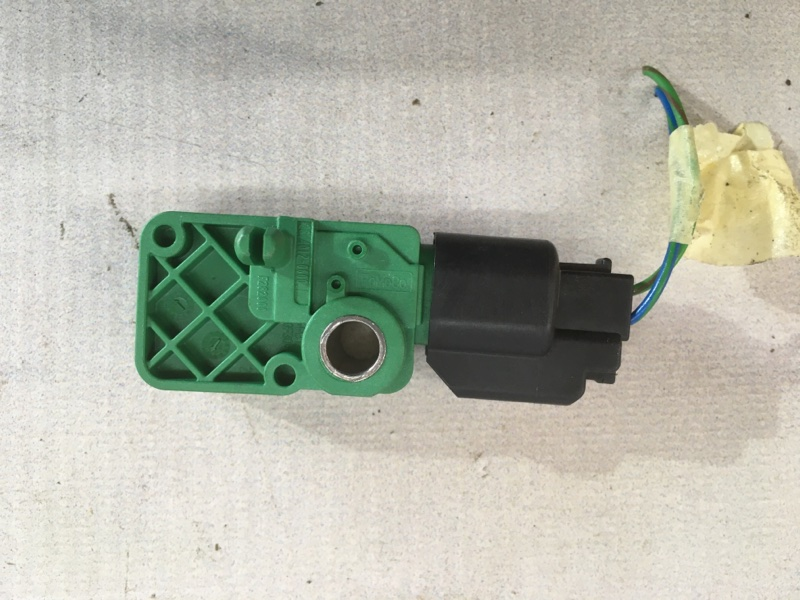 Датчик airbag XC60 2012 год 3.2L