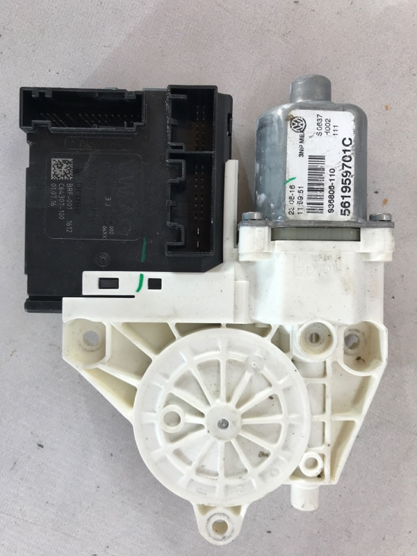 Мотор стеклоподъемника Volkswagen Passat 2017 год B8 1.8 Б/У