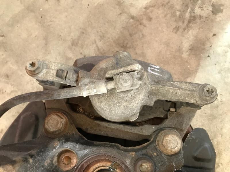 Суппорт тормозной передний левый Passat 2017 год B8 1.8