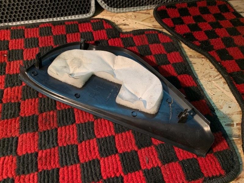 Накладка на торпедо боковая правая Subaru Legacy BP5 EJ20x