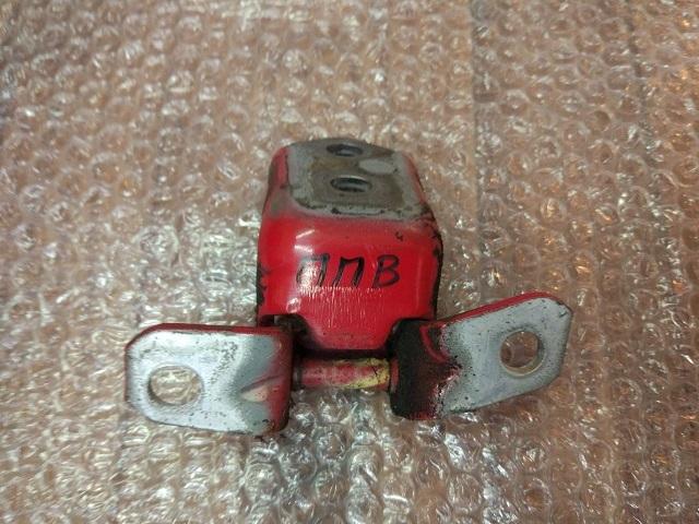 Петля двери MAZDA 3 (BK) 2002-2009 F15158210B Б/У