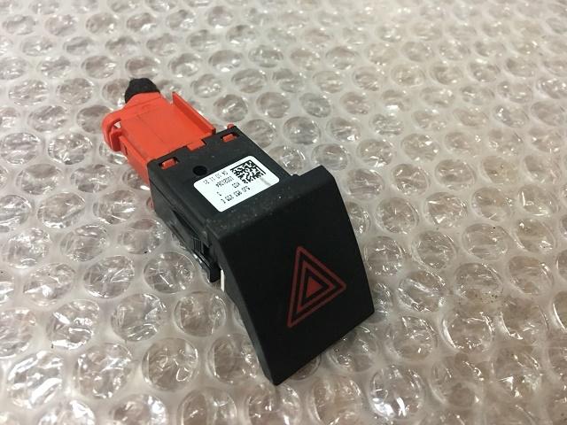 Кнопка аварийной сигнализации SKODA FABIA / ROOMSTER 07- 5J0953235E Б/У
