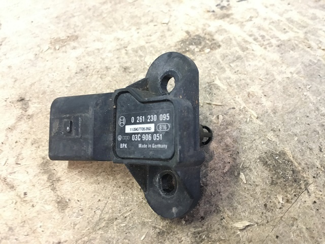 Датчик давления впускного коллектора SKODA FABIA / ROOMSTER 07- 03С906051 Б/У