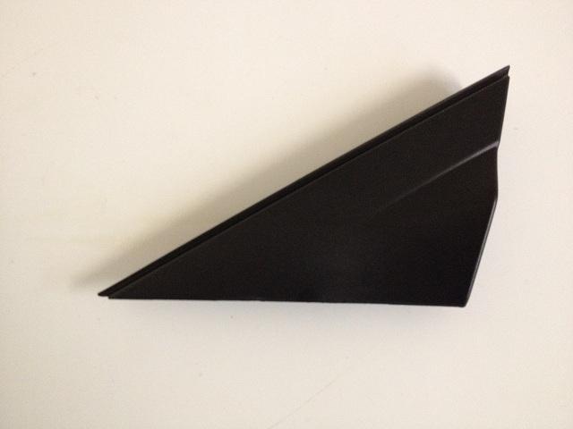 Накладка на перед дверь треугольник левый (оригинал) HYUNDAI SOLARIS (2011-2014) 861801R000 новая