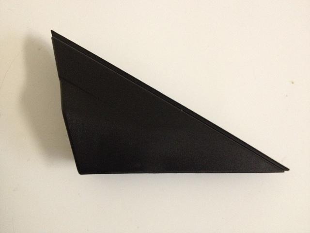 Накладка на перед дверь треугольник правый (оригинал) HYUNDAI SOLARIS (2011-2014) 861901R000 новая
