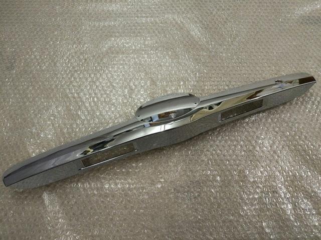 Молдинг крышки багажника TOYOTA CAMRY 40 (2006-2009) 7681133170B0 новая