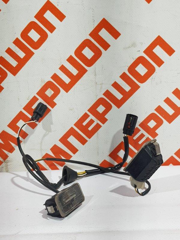 Патроны плафонов подсветки номера с проводкой FORD FOCUS 2 (2008-2011) 2008 хетчбек 5 дверей 1 1479968 Б/У