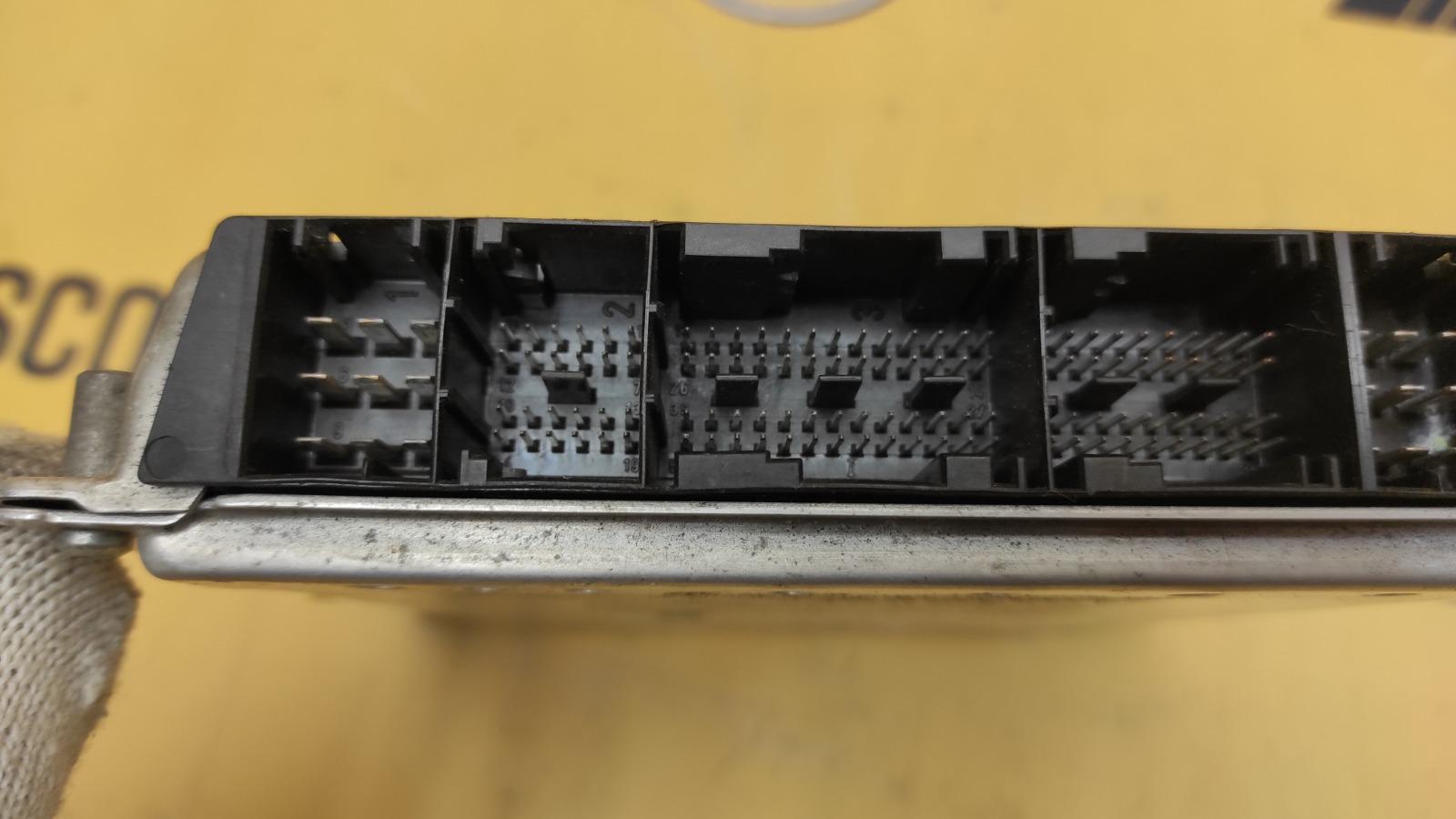 ЭБУ двигателя 2004 W639 M112.951 3.2