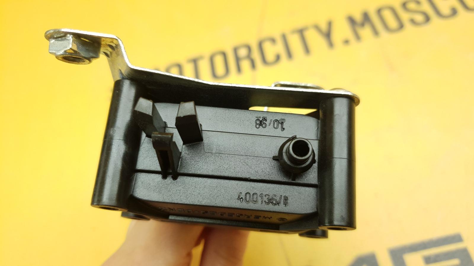 Ручка багажника 1998 W140 M104.994 3.2