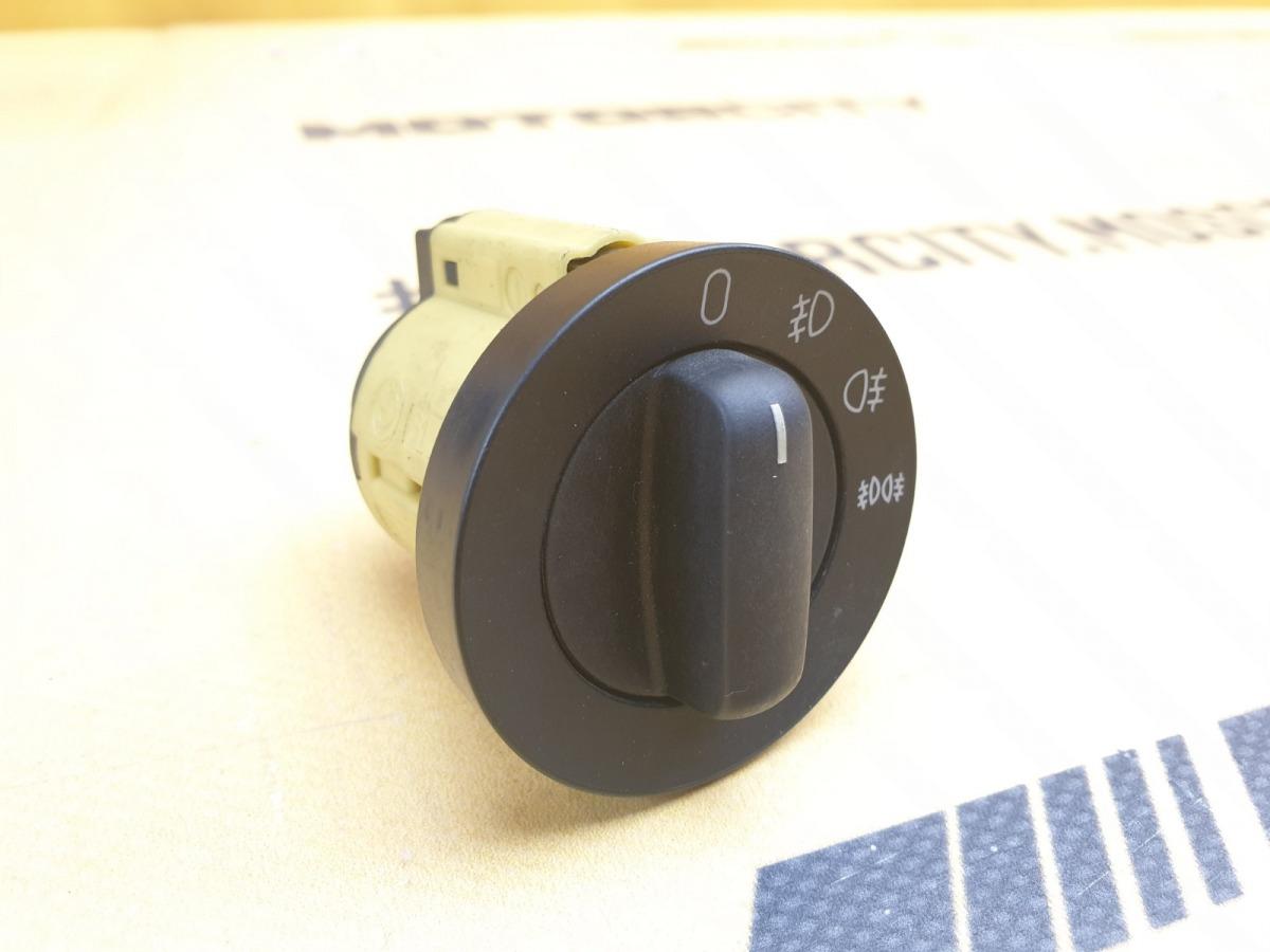 Кнопка ПТФ BMW 1995 E38 M73B54 5.4 61318352215 контрактная