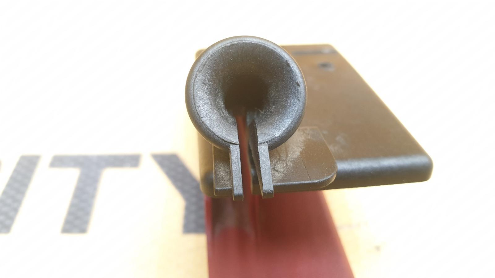 Ручка капота 1996 W210 M119.980 5.0