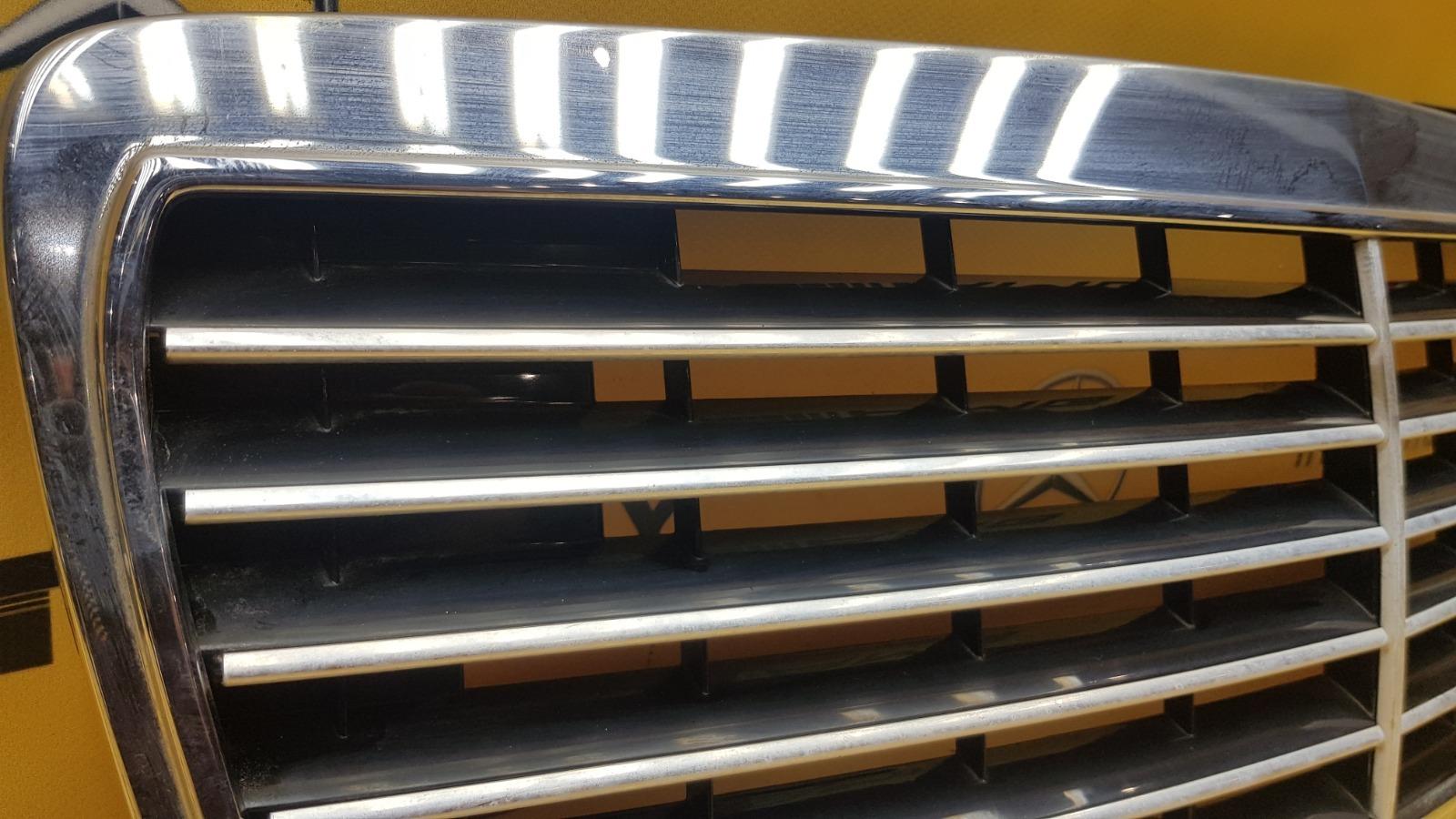 Решетка радиатора Mercedes-Benz W210 M119.980 5.0