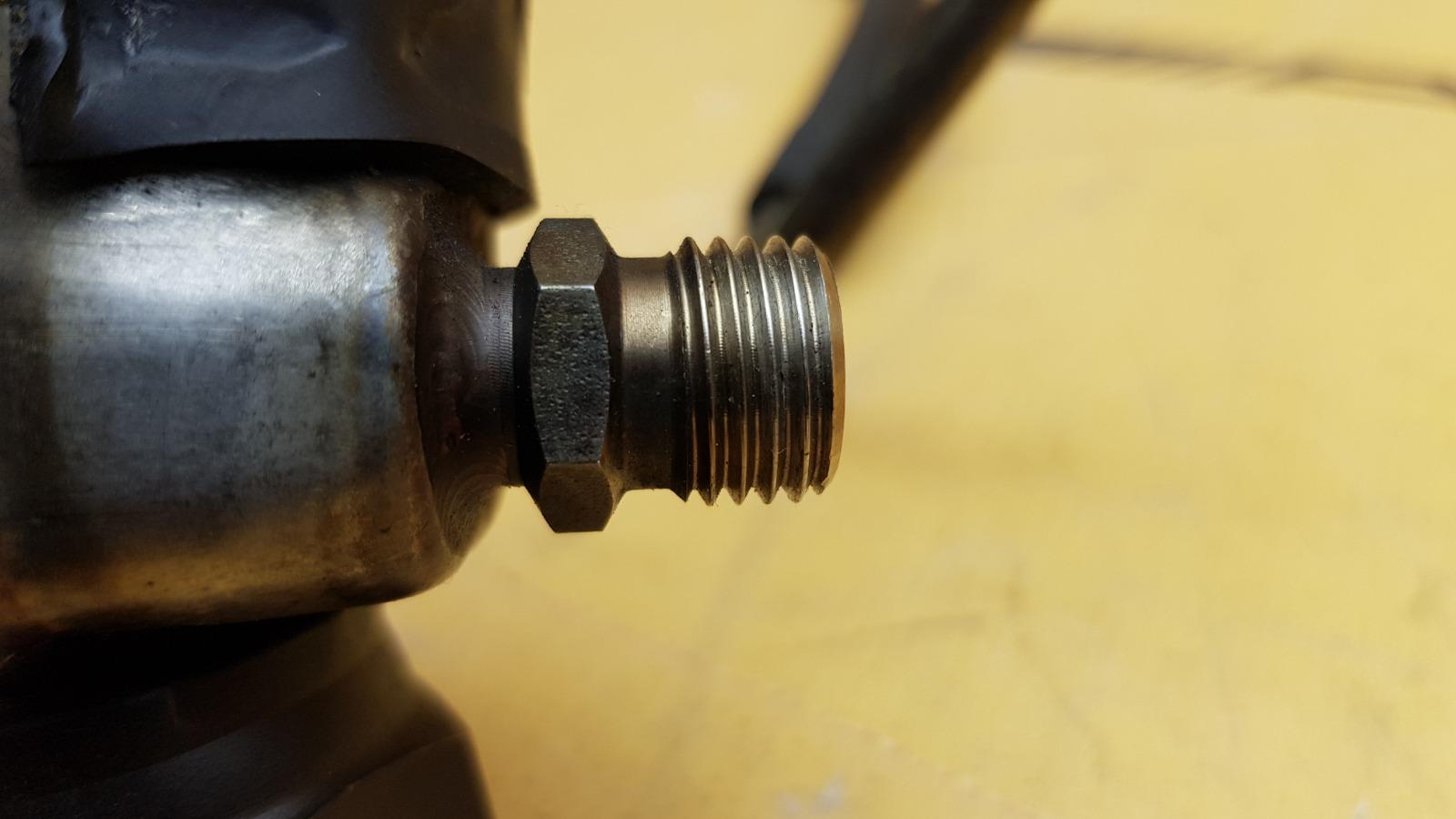 Охладитель топлива 1995 W140 M104.994 3.2