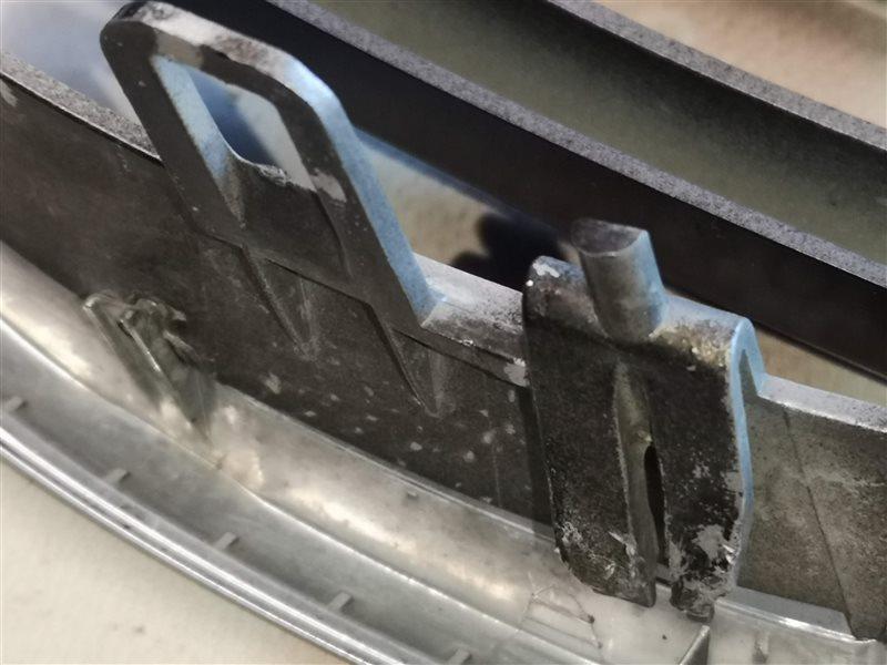 Решетка радиатора передняя левая X5 2007-2014 E70