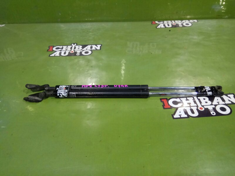 Амортизатор задней двери задний MAZDA MPV LY3P L20663620 контрактная