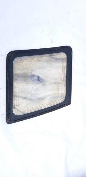 Стекло собачника заднее правое BIGHORN 1996 UBS69 4JG2