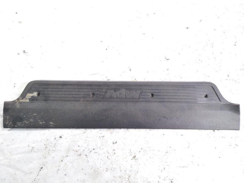 Накладка на порог салона задняя левая MAZDA MPV 1998 LVLR WLT L00168740 контрактная