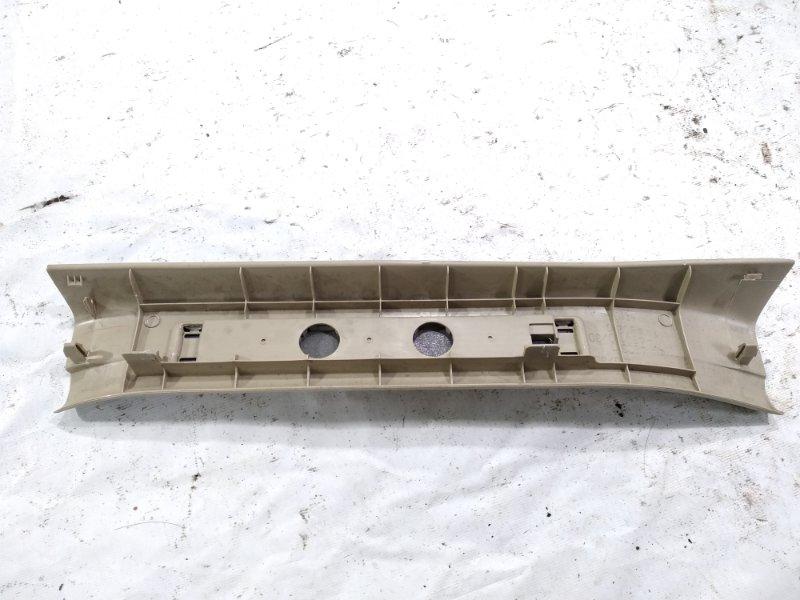 Накладка на порог салона задняя правая HARRIER 2005 ACU30 2AZFE