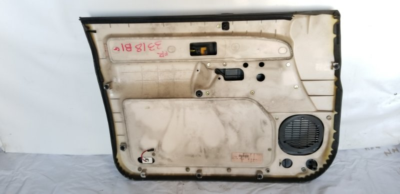 Обшивка дверей передняя правая ISUZU BIGHORN UBS69 4JG2