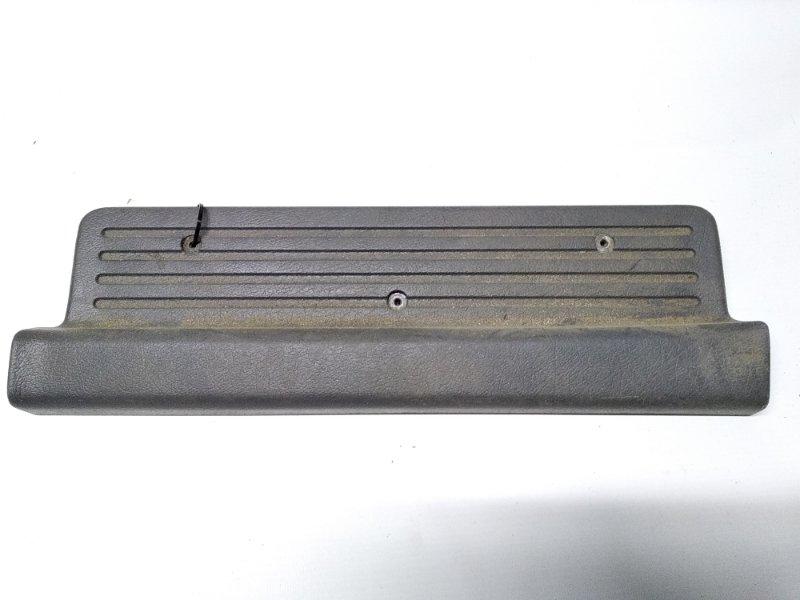 Накладка на порог салона задняя левая ISUZU BIGHORN UBS69 4JG2 контрактная