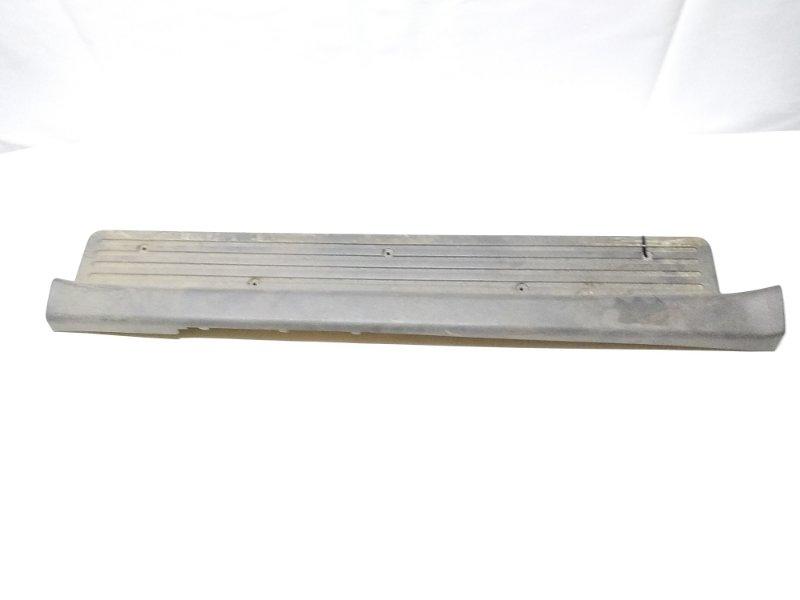 Накладка на порог салона передняя левая ISUZU BIGHORN UBS69 4JX1 контрактная