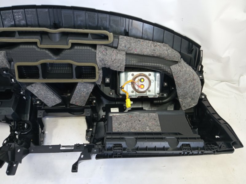 Airbag пассажирский передний левый MITSUBISHI RVR GA3W 4B10