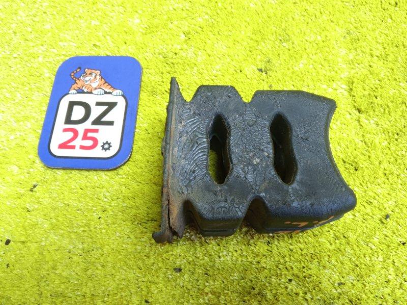 Отбойник задний левый TOYOTA LAND CRUISER PRADO 2001 KDJ90 1KDFTV контрактная