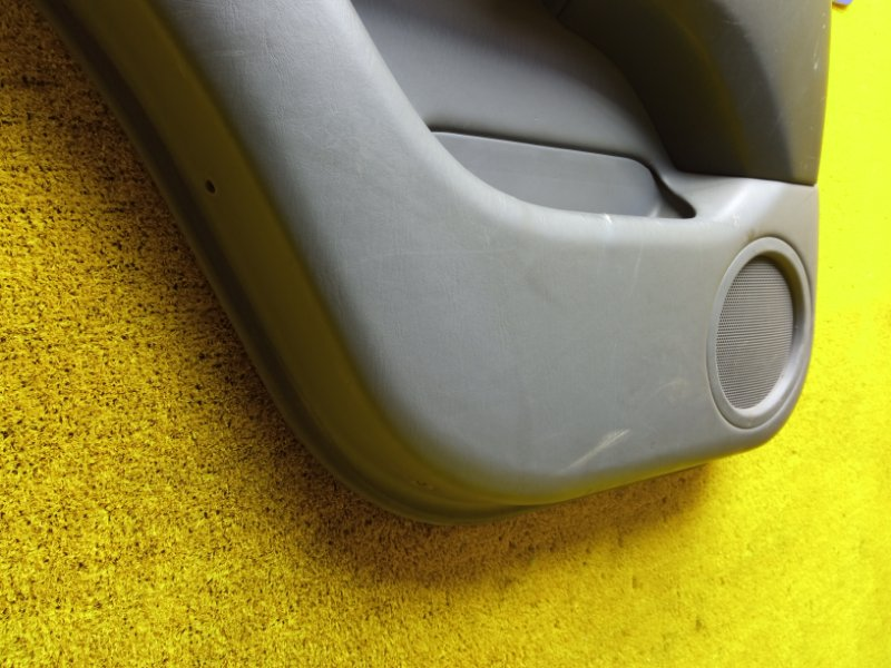 Обшивка дверей задняя левая HARRIER 1999 ACU10 5SFE
