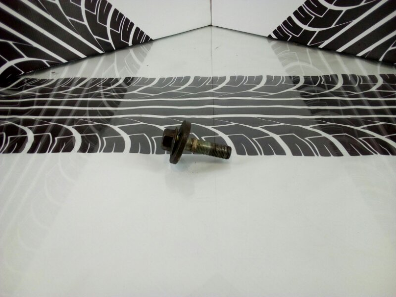 Болт шкива коленвала Toyota Carina ST170 4S-FE Б/У