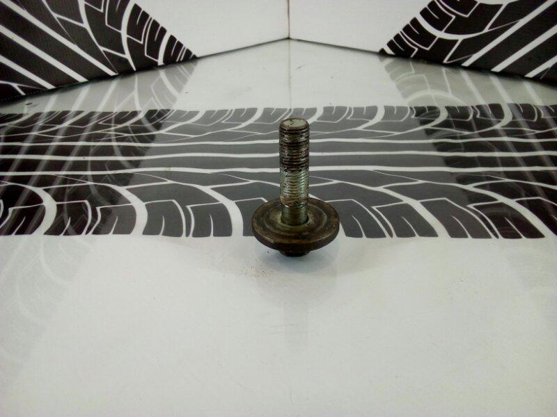 Болт шкива коленвала Carina ST170 4S-FE