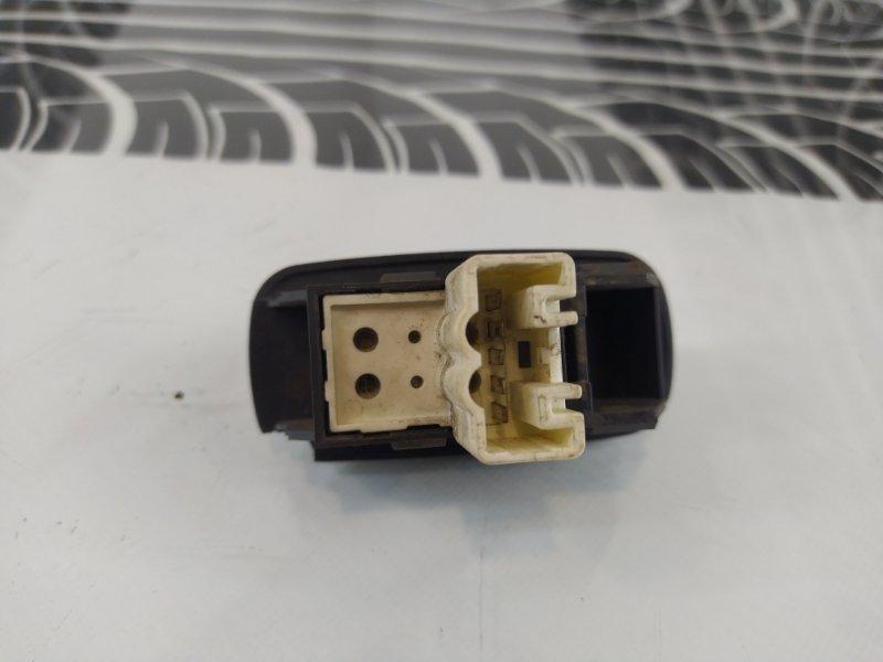 Кнопка стеклоподъемника задняя правая Toyota Corolla AE100 5A-FE