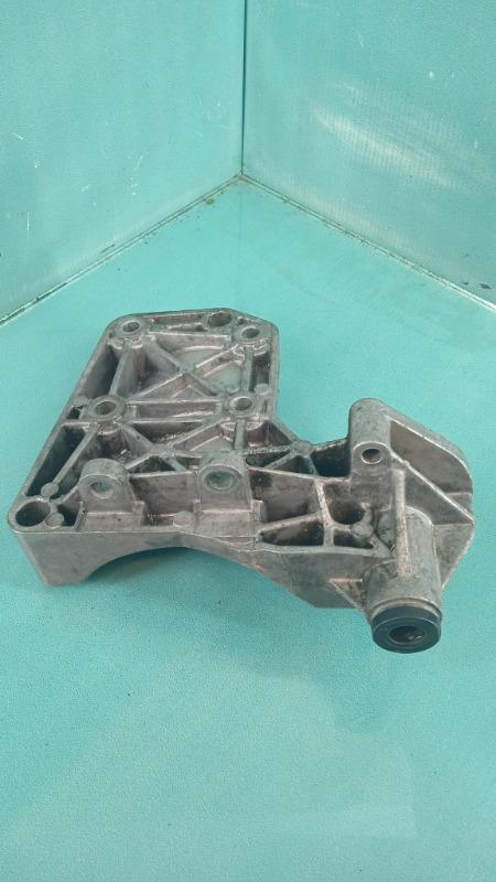 Кронштейн компрессора кондиционера BMW 3-Series  M57D30T 6455-7786194 Б/У