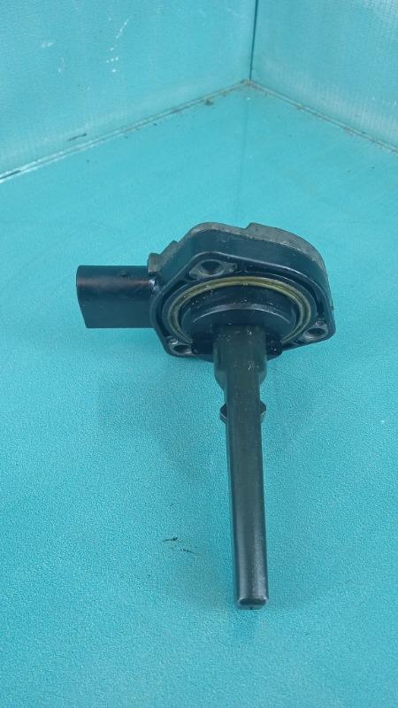 Датчик уровня масла в двигателе BMW 3-Series  M57D30T