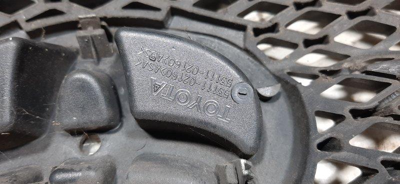 Решетка радиатора Toyota Corolla E120