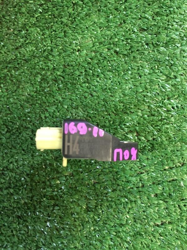Датчик удара передний Aqua 2015 Nhp-10 1NZFXE