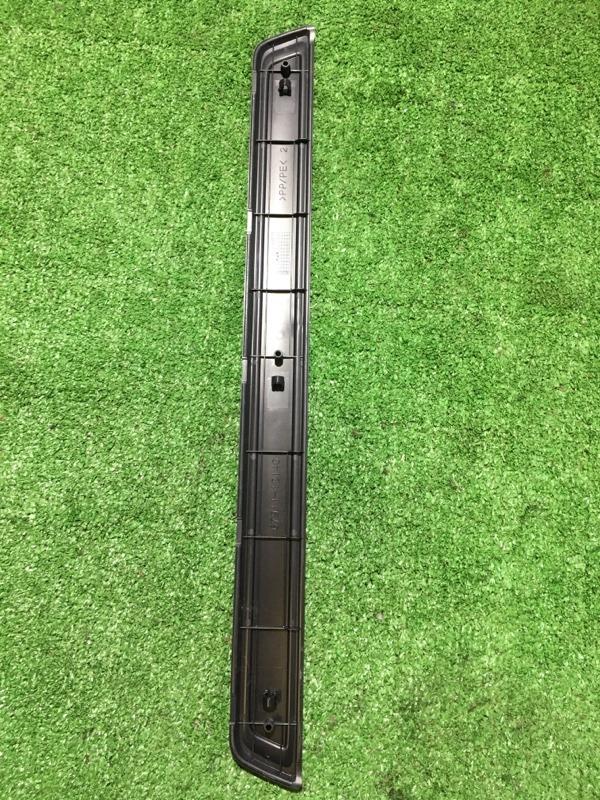 Порожек пластиковый передний правый Corolla Axio 2012 NZE-161 1NZFE
