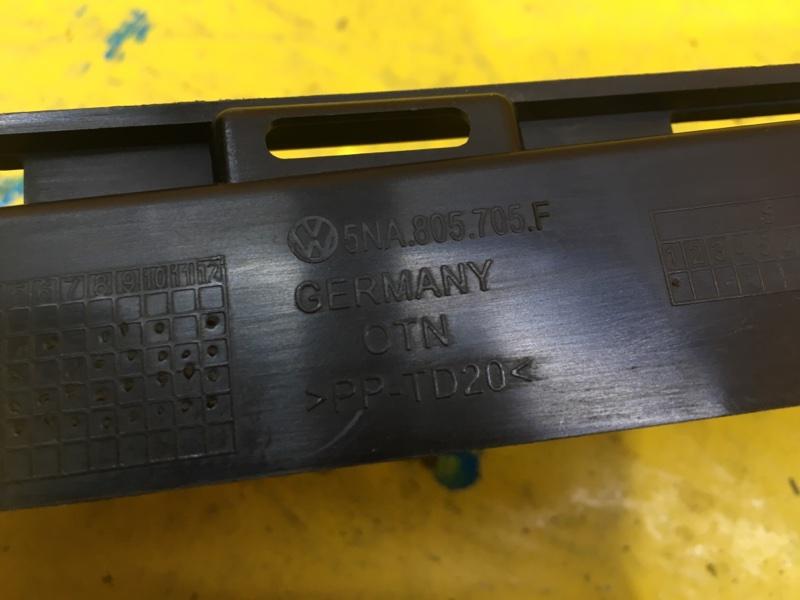 Кронштейн бампера передний Tiguan 2016-2020 2