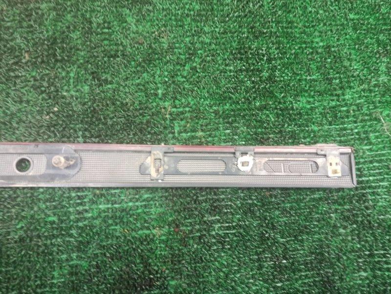 Вставка между стопов задняя HIACE 2006 LH188 5L