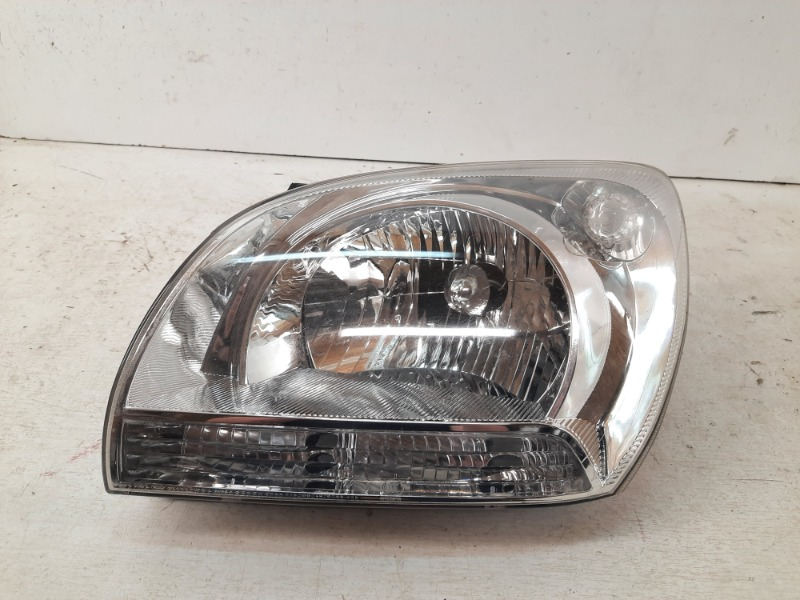Фара передняя левая Kia Sportage 2004-2010 2 921011F0 Б/У