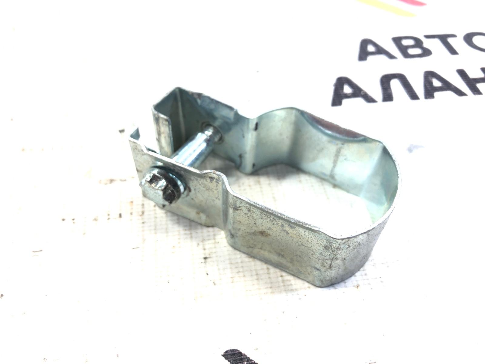 Зажимная скоба правая BMW 5-Series 2006 E60 N52B25 51337075670 контрактная