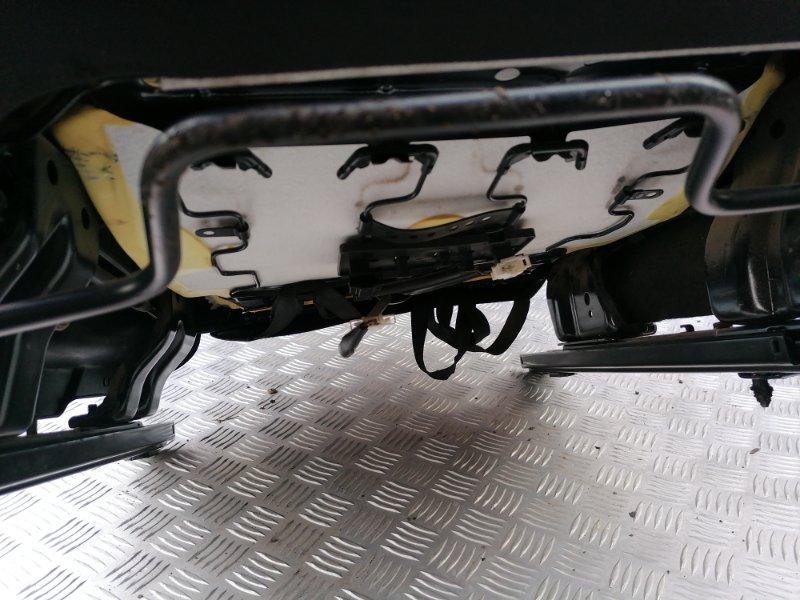 Сиденье переднее правое Polo 2012 612 1.6 CFNA