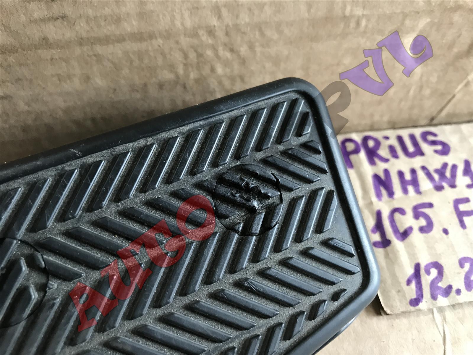 Подножка PRIUS 12.2002 NHW11 1NZFXE