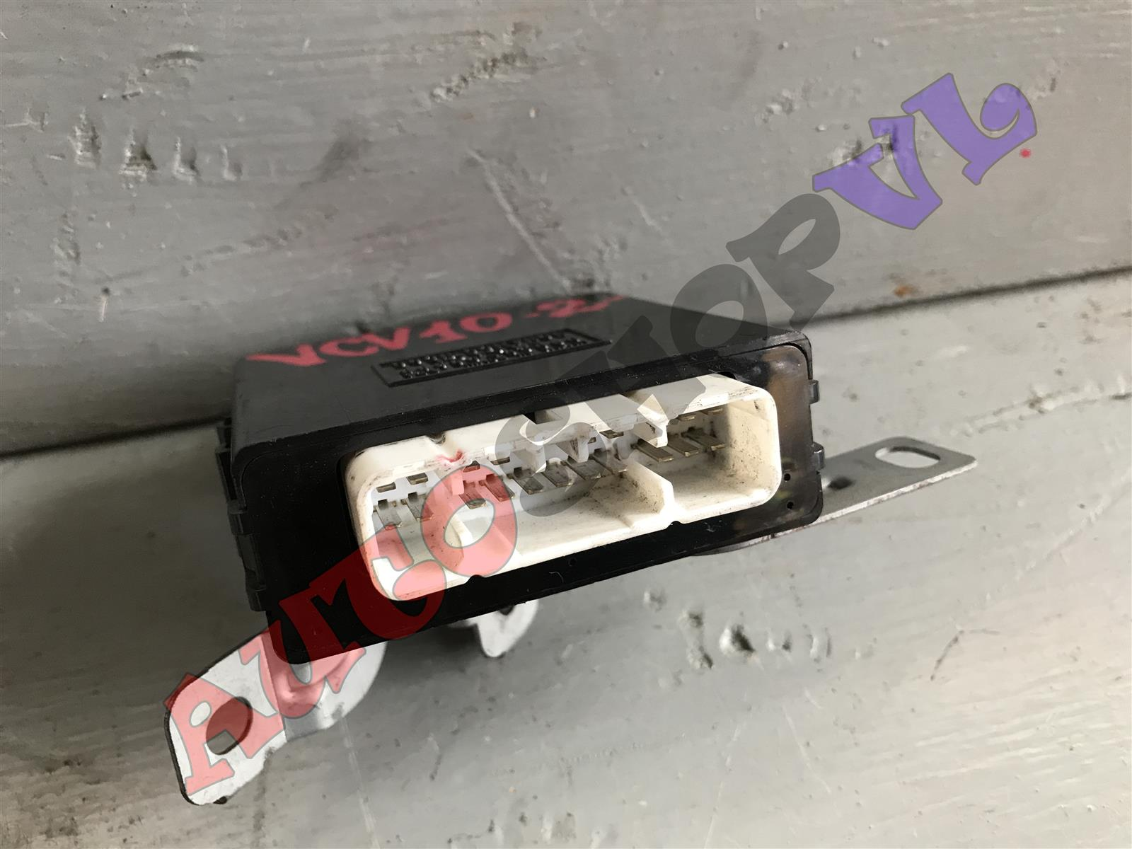 Блок управления дверьми TOYOTA WINDOM VCV10 3VZFE