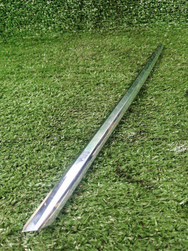 Молдинг решетки радиатора передний левый Mercedes-Benz V-class w639 A6368880085 Б/У