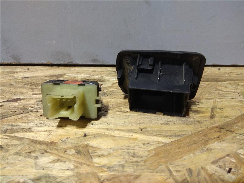 Кнопка стеклоподъемника Mercedes Citan W415 OM607
