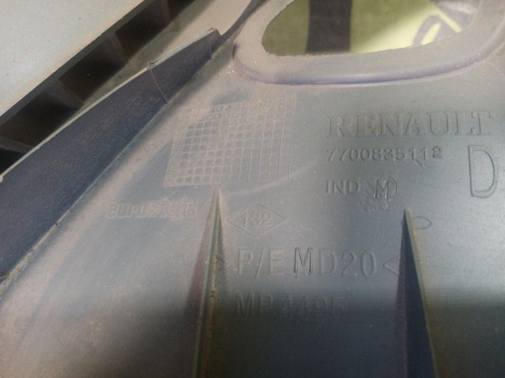 Накладка форточки задняя правая RENAULT Scenic 1.6 K4M700
